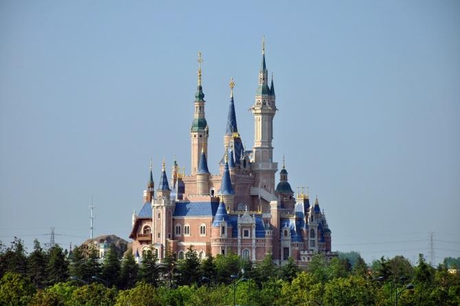 enchanted_storybook_castle_of_shanghai_disneyland