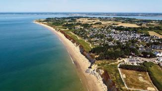 France, Morbihan (56), Penestin, Plage de la Mine d'Or (vue aérienne)